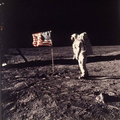Good Luck, Mr. Gorsky!, sulla Luna Neil Armstrong disse anche questo